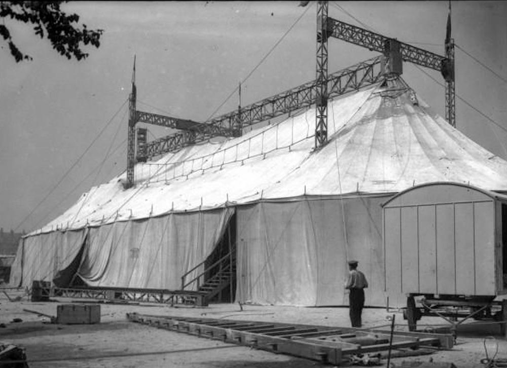 Chapiteaux du Théâtre National Ambulant